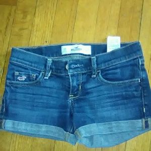 Hollister Juniors Denim Shorts! LIKE NEW!